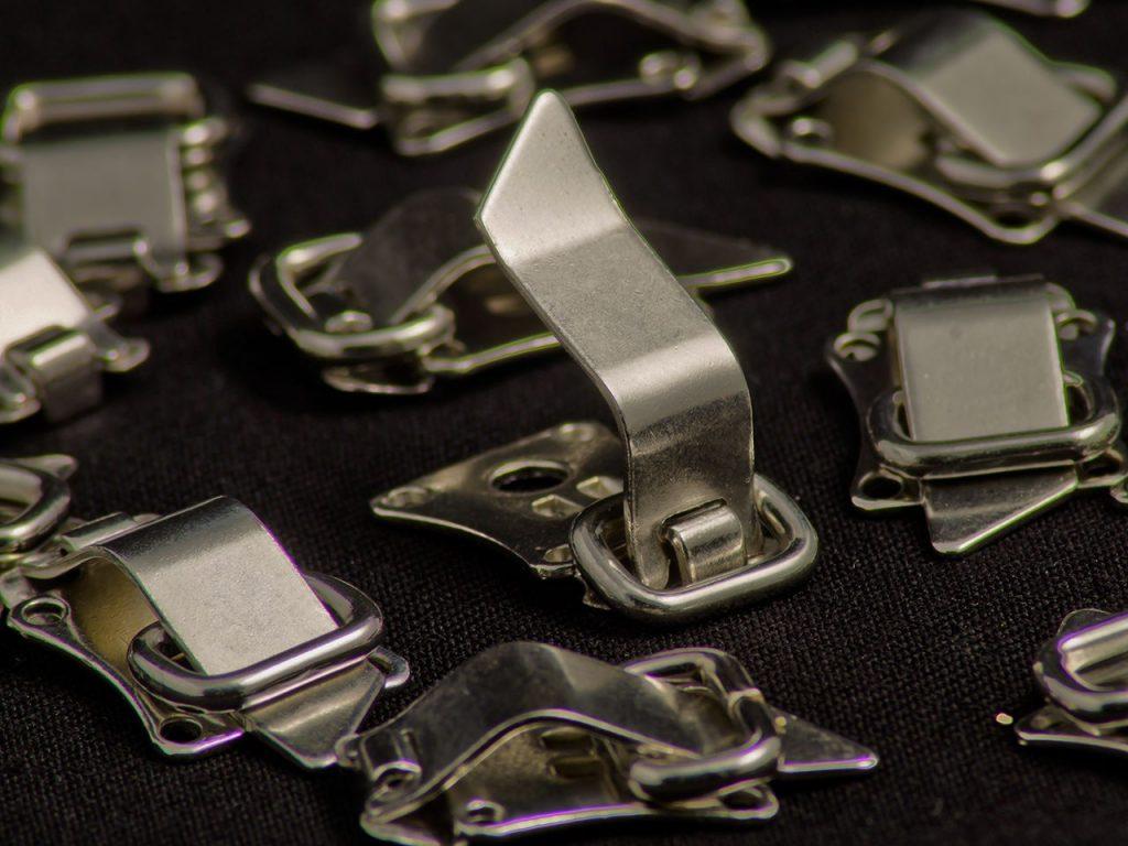 accesorii si inchizatori